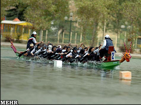 a women´s dragon boat event, courtesy Mehr News Agency